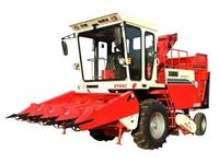 富路4YZ-4A摘穗型自走式玉米收获机