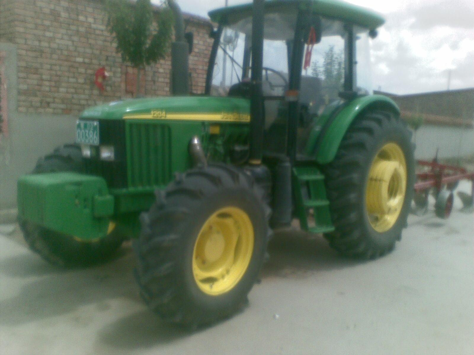 出售2011年约翰迪尔1204 带同步器 拖拉机 内 高清图片