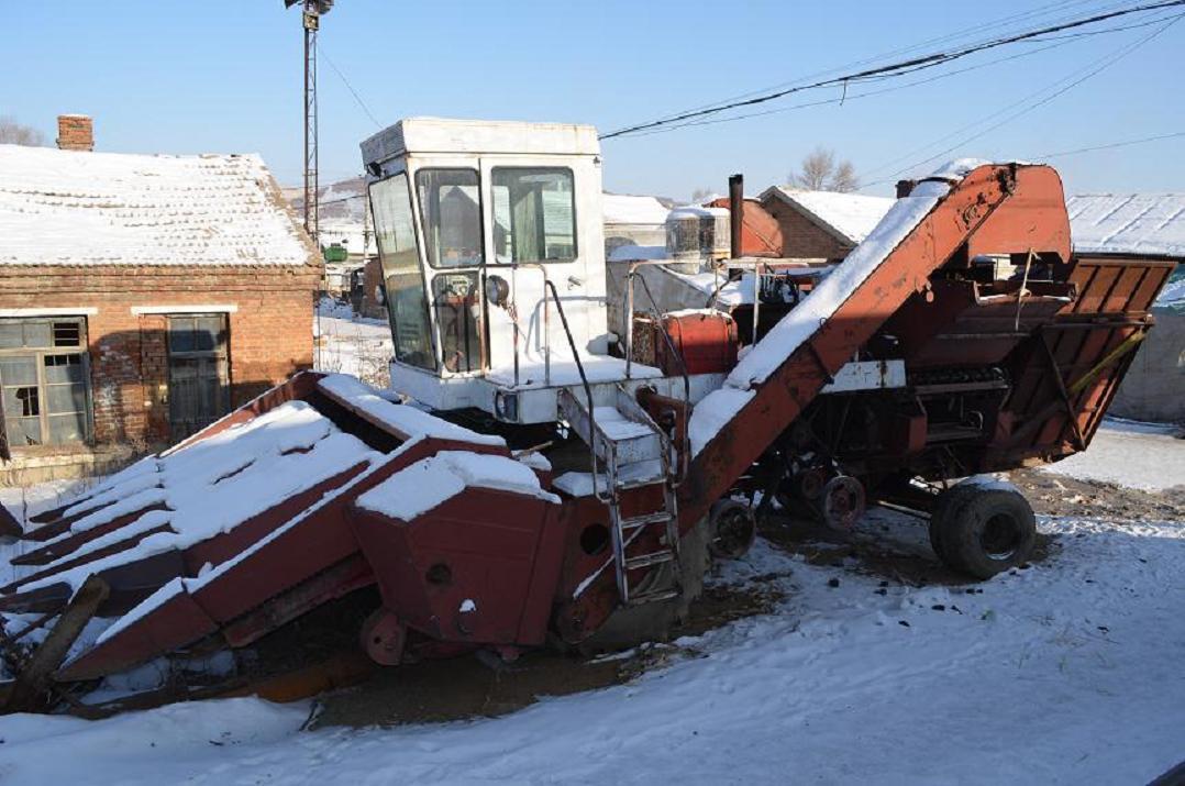 出售苏6 玉米收割机,柳林水履带式稻收割机