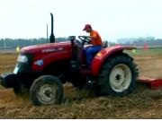 沃得奥龙60-75拖拉机施工现场