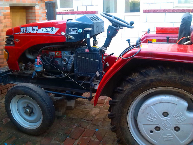 出售2012年福田雷沃250型 拖拉机 ,有意购买价 高清图片