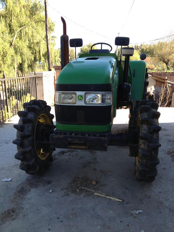 出售2011年约翰迪尔704拖拉机 高清图片
