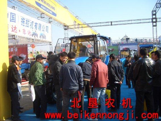 拖拉机外, 纽荷兰新产品snh1104, 1204 和1304,snh250/254,高清图片