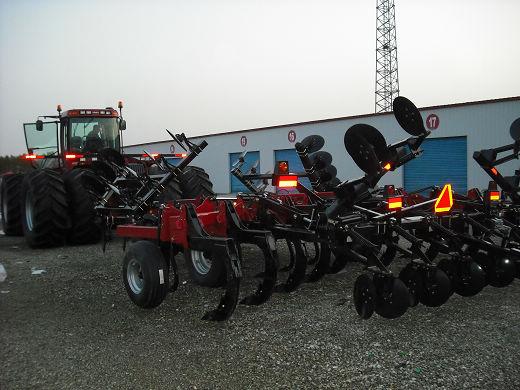 国内最大马力的拖拉机 凯斯steiger535落户共