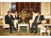 约翰迪尔高层代表团来华参观考察
