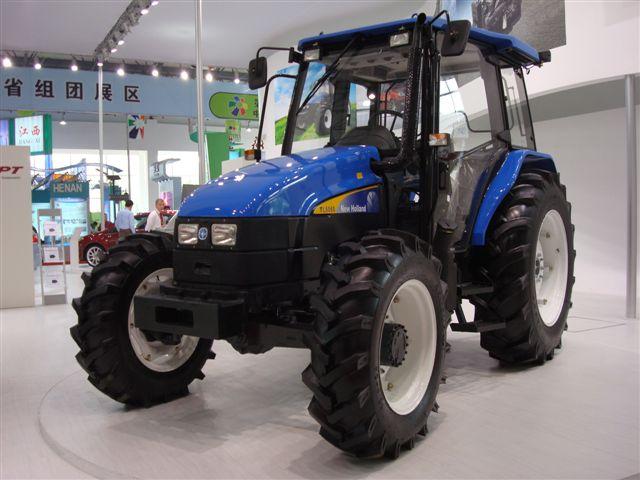 纽荷兰snh1104拖拉机   游客   snh1004型拖拉机拥有强大领