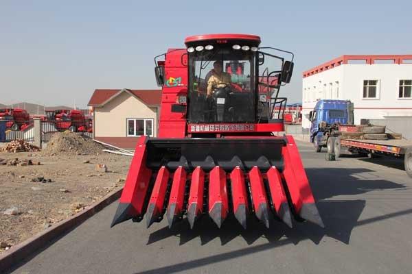 牧神4YZB-8型自走式全幅穗茎兼收玉米联合收获机