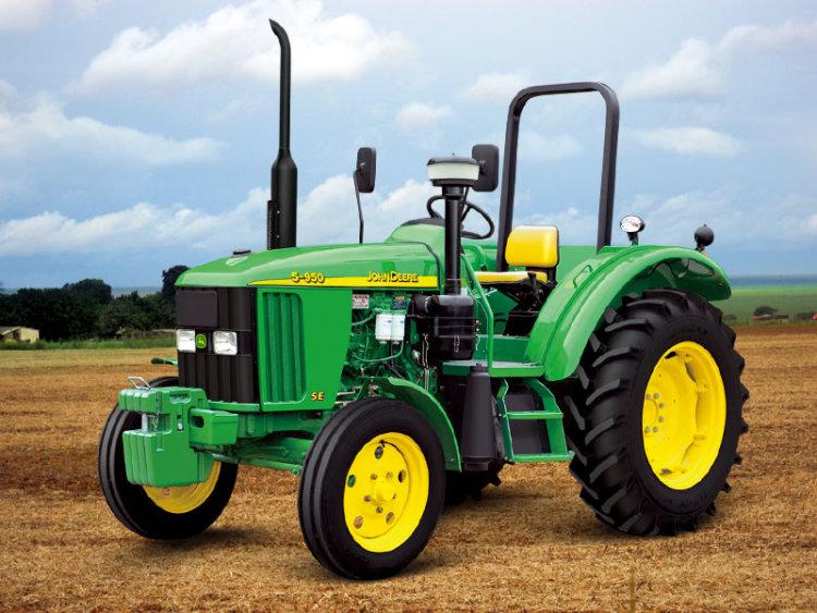 《田间拖拉机》:小小拖拉机