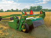 约翰迪尔600系列牵引式圆盘割草压扁机