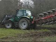 道依茨法尔傲龙265拖拉机与贝松机具联合作业