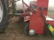 农哈哈驱动圆盘免耕覆盖施肥播种机