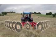 伊诺罗斯Batrake10搂草机作业视频