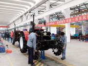 东风农机新建大拖车间投产使用