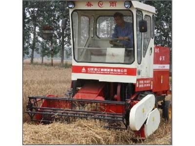 春雨4YFZ-2型自走式秸秆方草捆打捆机