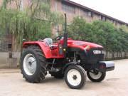 820轮式拖拉机