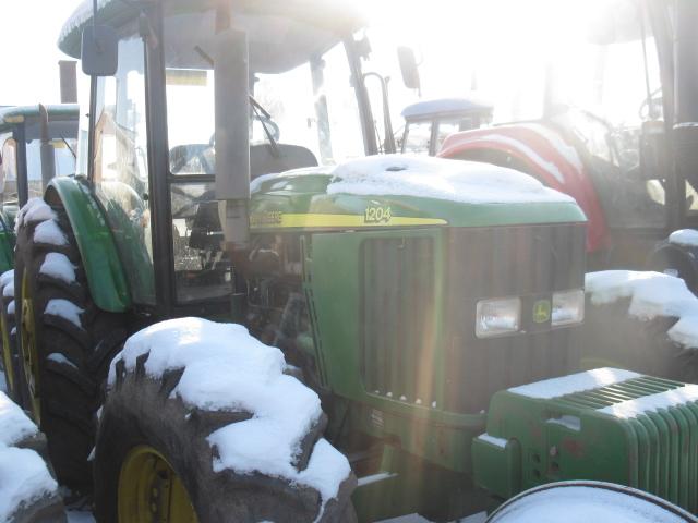 】次】出售2009年约翰迪尔1204拖拉机年约翰迪尔1204拖拉机高清图片