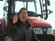 常发CF30-90马力轮式拖拉机视频