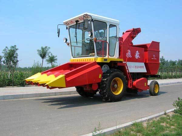飞象牌4YZ-3型不对行玉米联合收割机