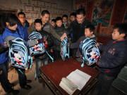 雷沃爱心机收队免费为留守儿童家庭抢收夏粮