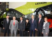 驻德国大使史明德参观大型农机企业克拉斯