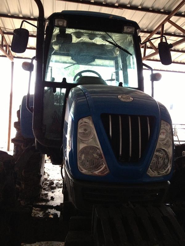 出售2011年韩国乐星704拖拉机 黑龙江齐齐哈尔市二手农机高清图片