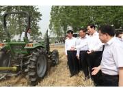 """张宝顺视察""""三夏"""" 奇瑞重工绿色农机获赞誉"""