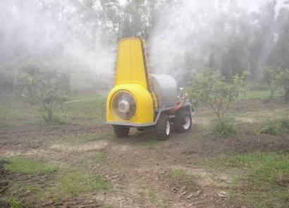 瓦力 WL-500自走式履带风送喷雾机