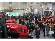 中国一拖新型拖拉机首次集体亮相