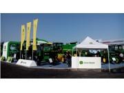约翰迪尔全线产品亮相2014新疆农业机械博览会
