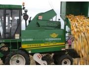 五征玉米收获机叫响三秋农机化技术现场演示会