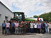 约翰迪尔新8R系列拖拉机全方位培训 专注提升用户体验