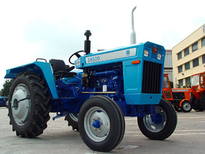 上海紐荷蘭SH500型拖拉機