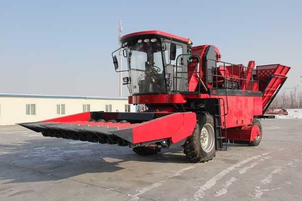 牧神4YZB-10型自走式玉米联合收获机