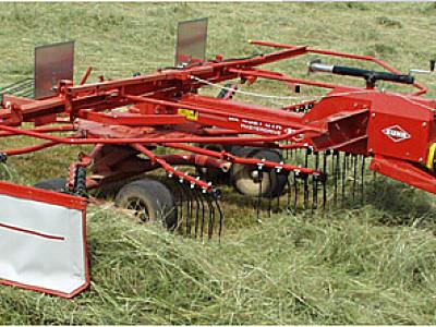 库恩GA 4521 GTH牵引式搂草机