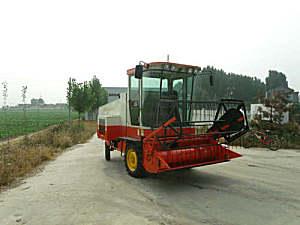 裕龙HTZ2050型自走式秸秆打捆机
