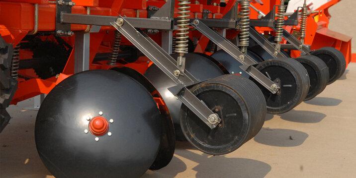 山東五征2CM-4型馬鈴薯種植機