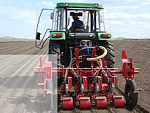 黑龙江德沃2SB-4型气力式蔬菜播种机