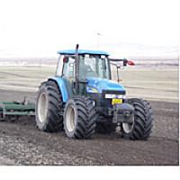 紐荷蘭TM140輪式拖拉機
