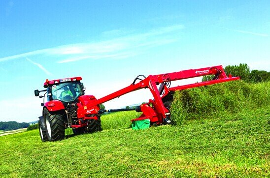 格兰4300系列牵引式割草压扁机