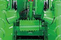 约翰迪尔(John Deere)CH330新型甘蔗收割机宽大的进料口