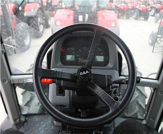 东方红LF2204拖拉机