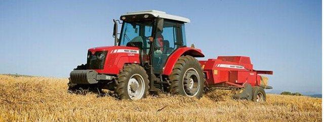 爱科MF1204型拖拉机