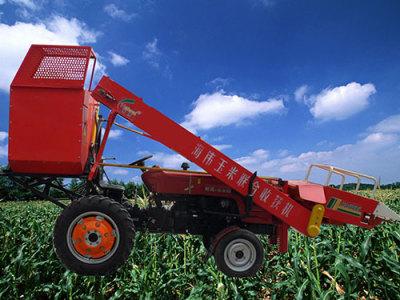 海伟4YW-2背负式玉米联合收割机