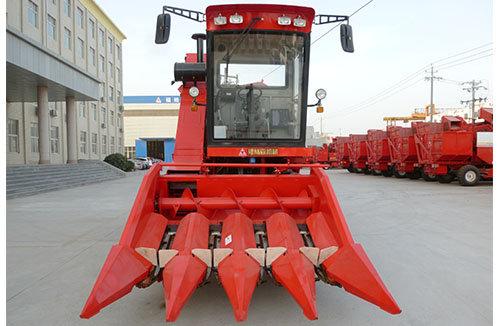 福宝4YZ-4A(4500 、4500L)型玉米收获机