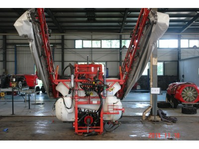 安徽江淮重工3WZ-160-2000BF喷杆喷雾机