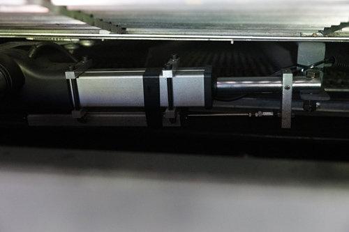 中國收獲4LZ-12自走式谷物聯合收割機細節