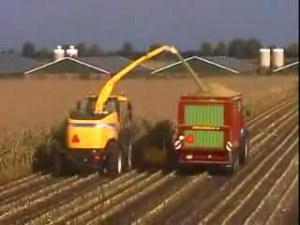 纽荷兰FR9000系列青储收割机视频