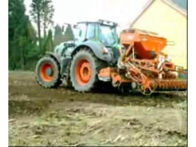 芬特拖拉机和库恩播种机