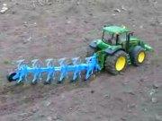 约翰迪尔7920型拖拉机模型展示