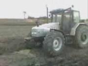 赛迈道依茨的兰博基尼拖拉机作业视频